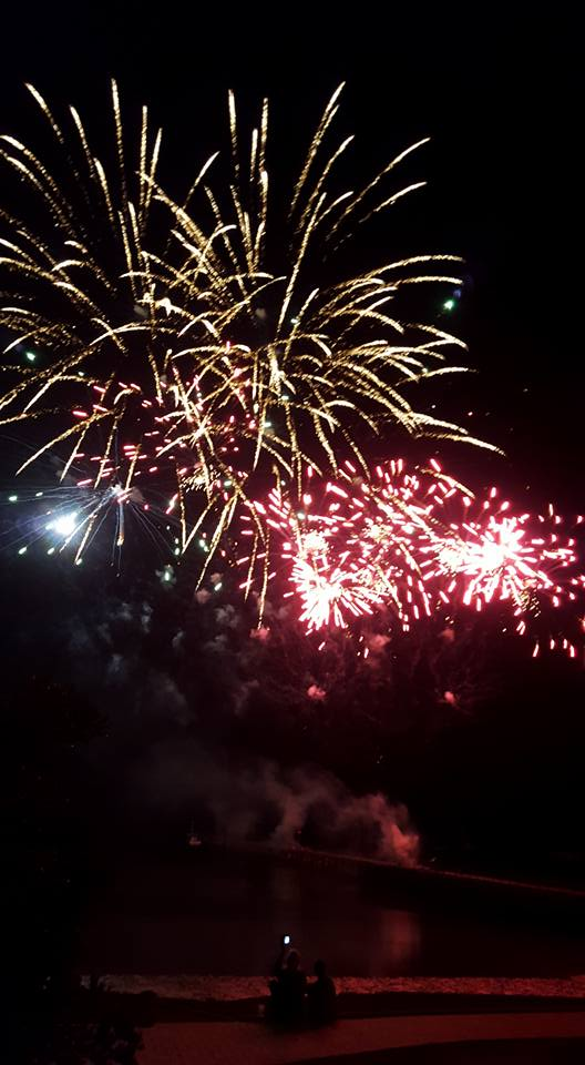 19 Fireworks Streaky Bay