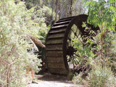 13-morning-star-water-wheel-at-dunnellys-ck